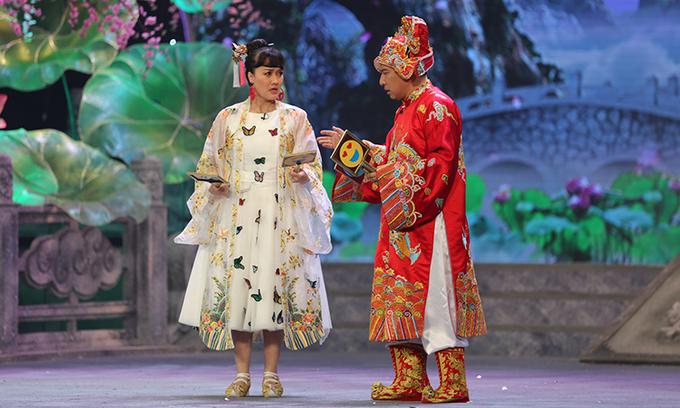Táo Y Tế - Vân Dung (trái) - và Táo Kinh tế (Quang Thắng) - có nhiều đất diễn trong chương trình năm nay.