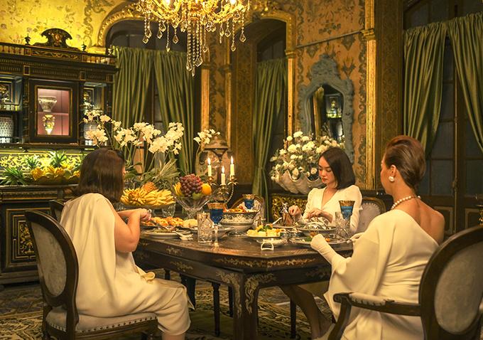 Bữa ăn hàng ngày của ba chị em Lý gia được bài biện công phu. Ảnh: Mar6.