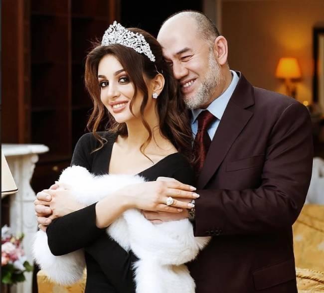 Oksana và cựu vương Malaysia trong đám cưới năm 2019. Ảnh: Instagram.