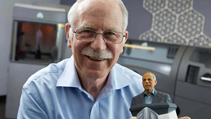 Charles Hull, nhà sáng lập công ty 3D Systems, người làm nên lịch sử ngành in 3D. Ảnh: all3dp.com.